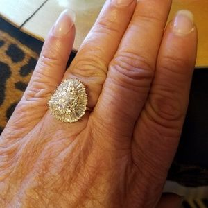 Jewelry - 14k gold with white sepphirs
